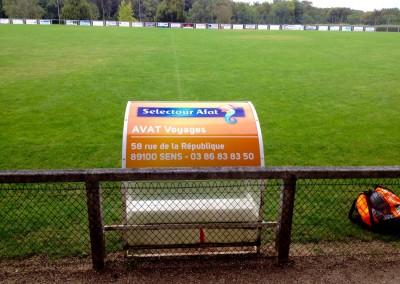 Publicité sur terrain de sport