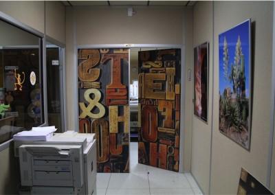 Personnalisation de porte en intérieur, aspect mat ou brillant