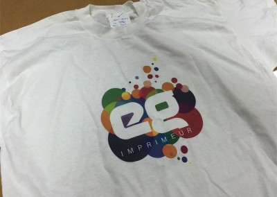 Marquage de T-shirt d'après visuel ou photo en couleur